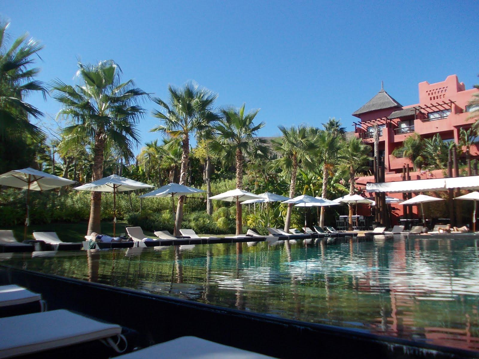 Ideas para despedir el 2012 por todo lo alto enred ndo - Hotel asiatico benidorm ...
